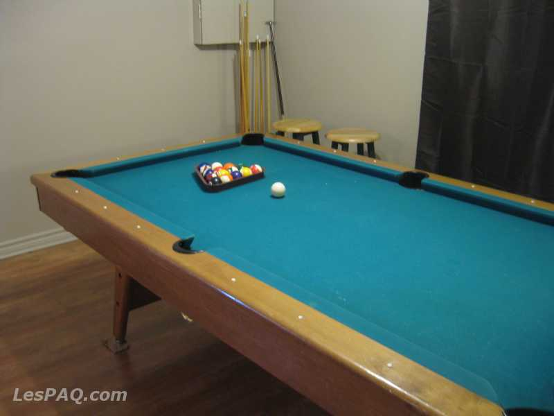 table de billard marchandise sport et loisir. Black Bedroom Furniture Sets. Home Design Ideas